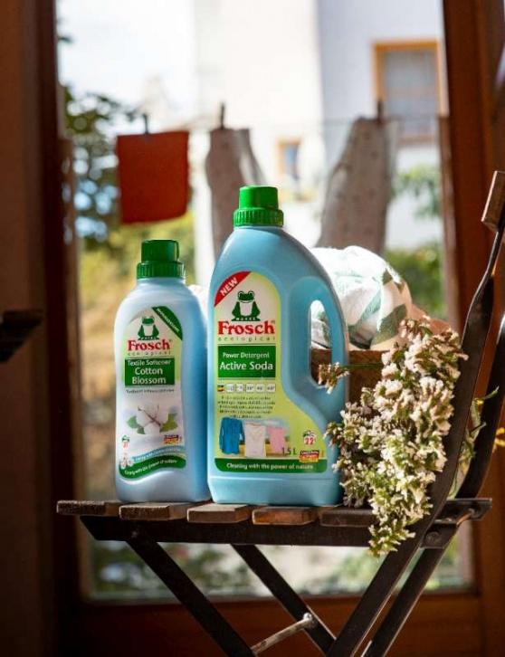 Léto beze skvrn. Značka Frosch pomůže se stopami léta na prádle, aniž by zanechala ekologickou stopu v přírodě