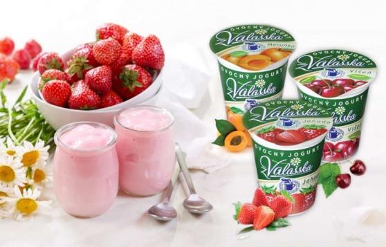 Mlékárna Valašské Meziříčí je známá díky smetanovým jogurtům, které patří mezi velmi oblíbené